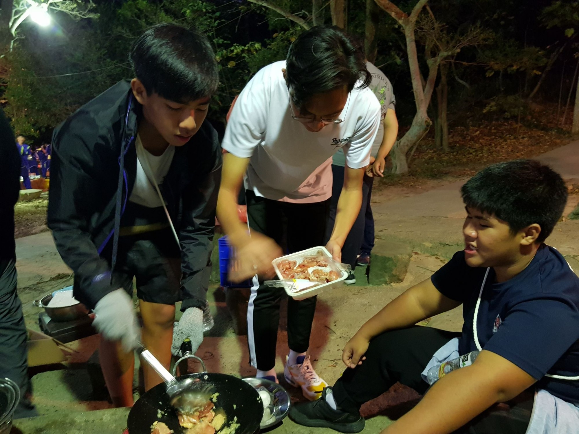 Scout Outdoor Cooking in Taiwan 2019.jpg